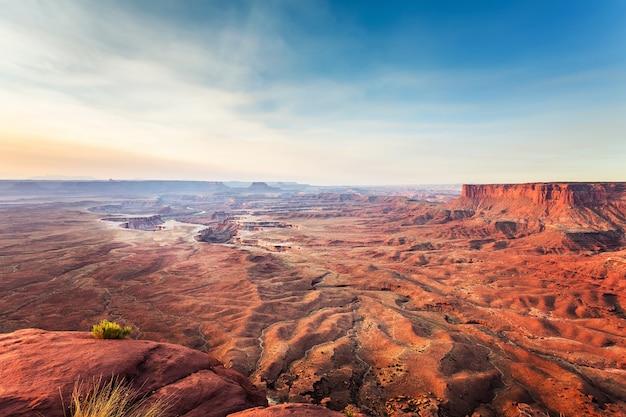 Landschaft des dead horse point state park bei sonnenuntergang, utah usa