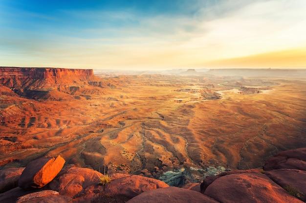 Landschaft des dead horse point state park bei sonnenuntergang