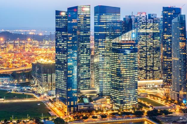 Landschaft des singapur-finanzbezirkes und des geschäftsgebäudes