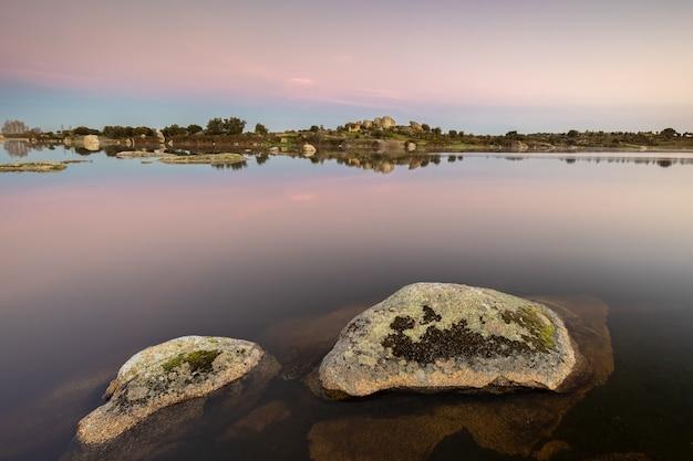Landschaft im naturgebiet von los barruecos. extremadura. spanien.