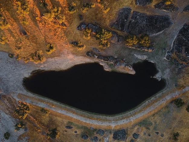 Landschaft mit lagune in dehesa de la luz. extremadura. spanien.