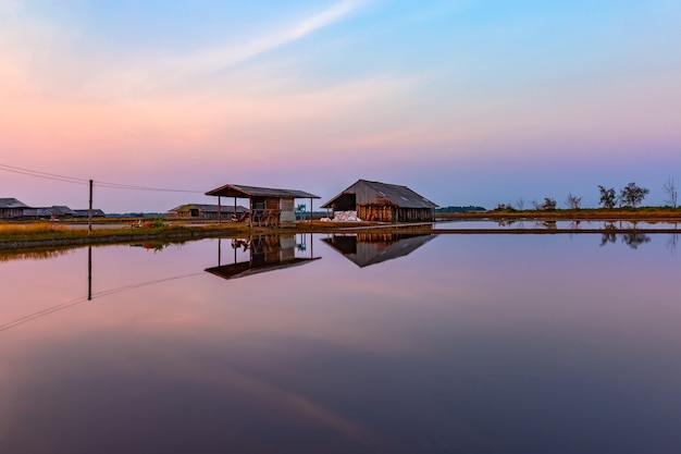 Landschaft morgens, reflexion des lagers