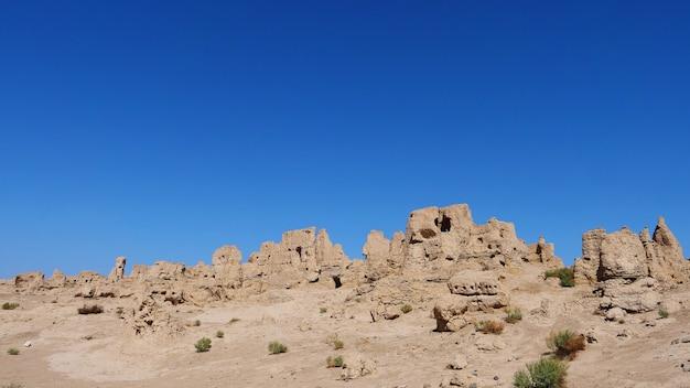 Landschaftsansicht der ruinen von jiaohe liegend in der provinz xinjiang china.