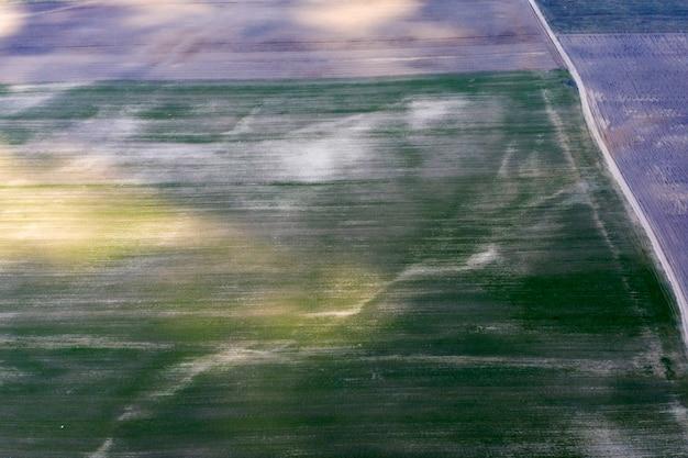 Landstraßenansicht von oben luftaufnahme
