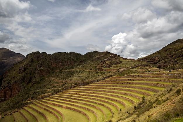 Landwirtschaftliche terrassen in pisac, peru