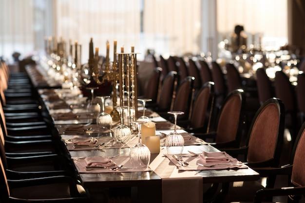 Lange tisch-dinner-party, feines dining-restaurant