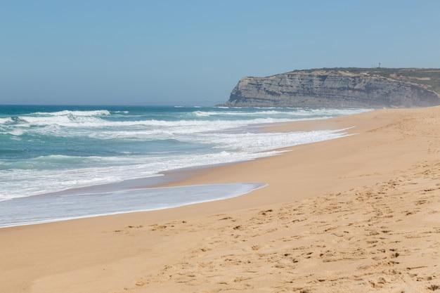 Langer strand an der atlantikküste