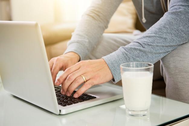 Laptop für die arbeit verwenden