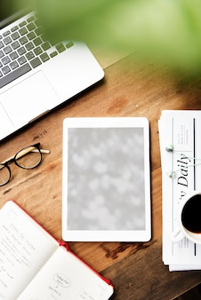 Laptop-gerät-gerät-notizbuch-leerzeichen-konzept