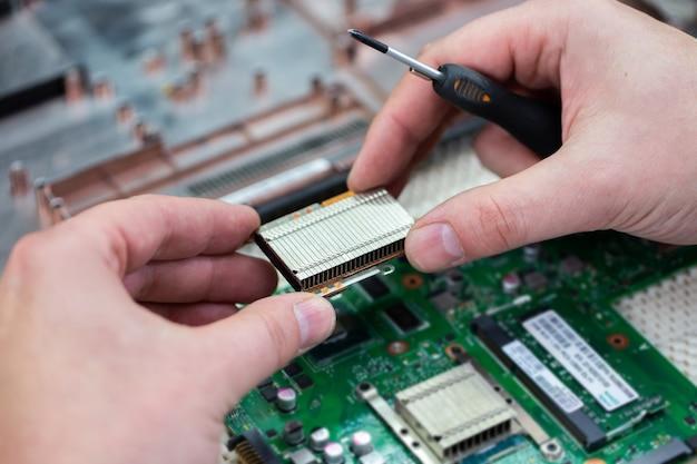Laptop-reparatur im service-center