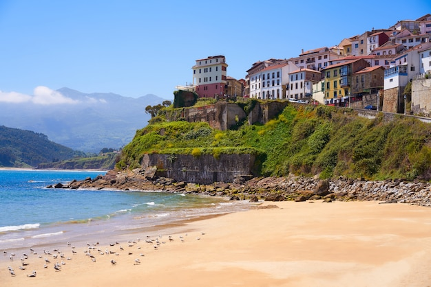 Lastres colunga dorf in asturien spanien