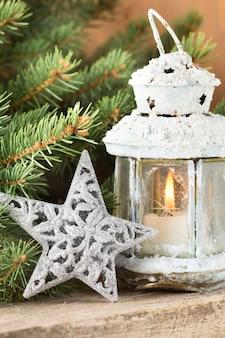 Laterne mit weihnachtsbaum, weihnachtsdekoration.