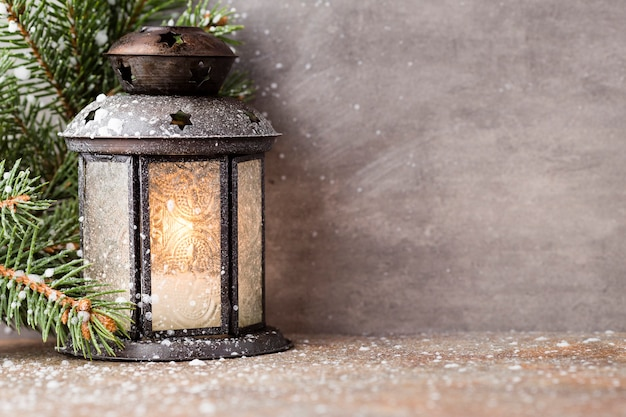 Laternendekoration und weihnachtsstern