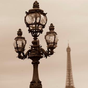 Laternenpfähle auf der brücke pont alexandre iii in paris frankreich