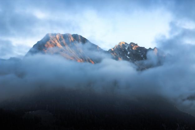 Lava auf dem vulkan