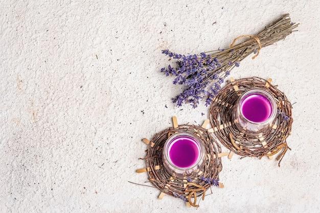 Lavendel blumengetränk alkoholfreie sommer tonic limonade Premium Fotos