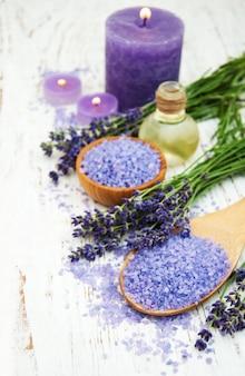 Lavendel mit ätherischem öl