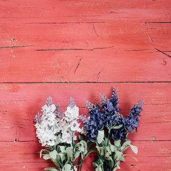 Lavendel mit rosa vintage hintergrund
