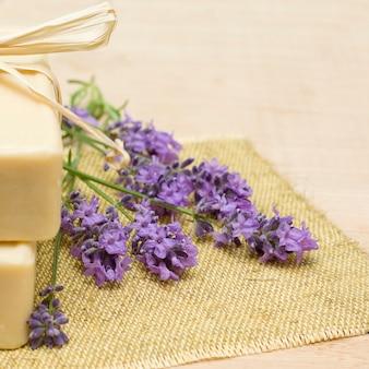Lavendel und badeseife