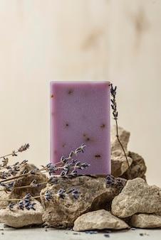 Lavendel und seife anordnung