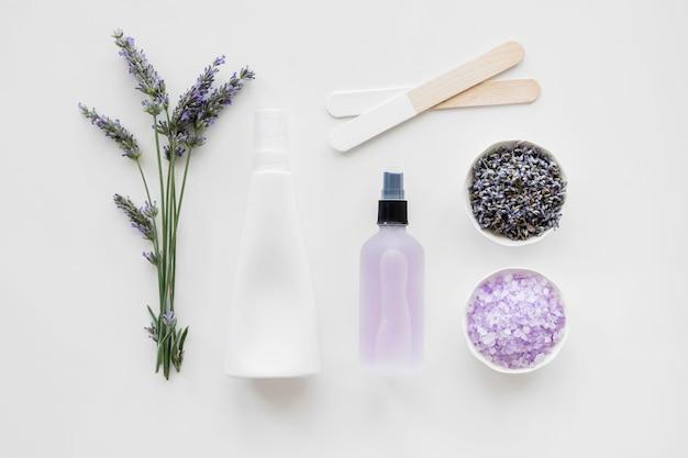 Lavendelöle und cremes für die haut