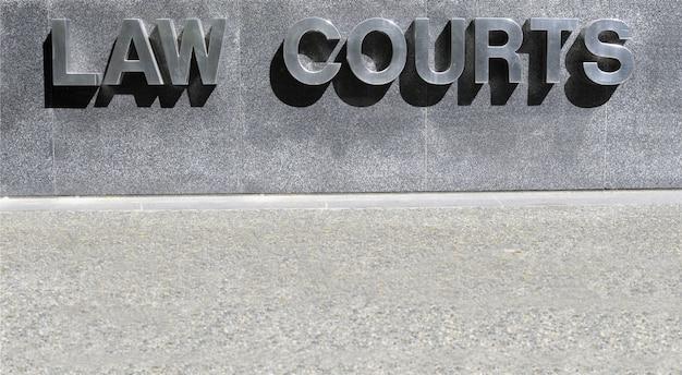 Law courts zeichen