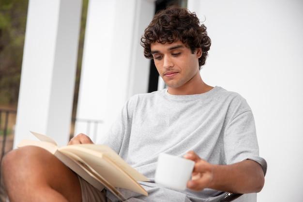 Leben zu hause mit jugendlesen