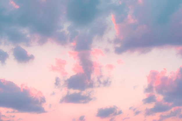 Lebendiger pastellhimmel
