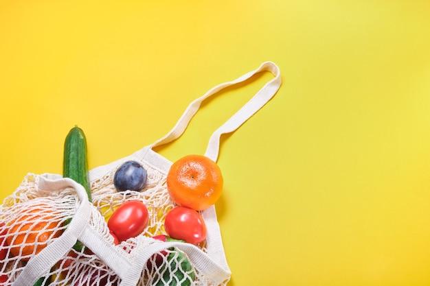 Lebensmittel in öko-beuteln