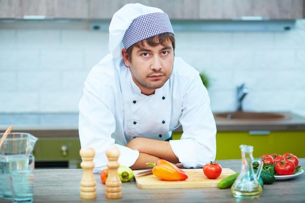 Lebensmittel junge küche arbeitsplatz single