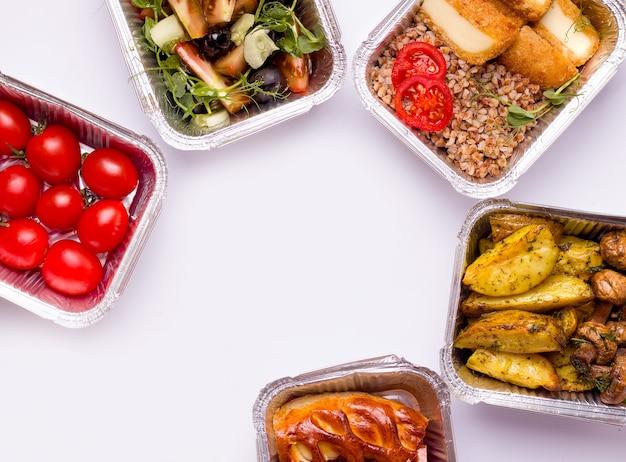 Lebensmittel-lieferkonzept. essen.