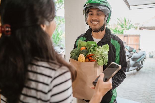 Lebensmittel online-shopping von zu hause aus