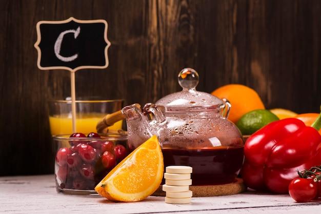 Lebensmittel und getränke, die reich an natürlichem vitamin c sind
