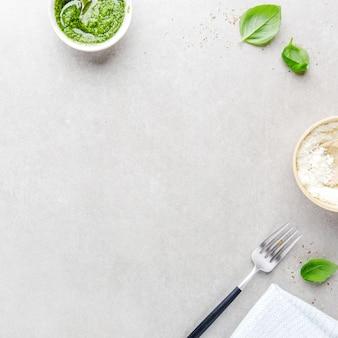 Lebensmittelhintergrund mit italienischen lebensmittelbestandteilen