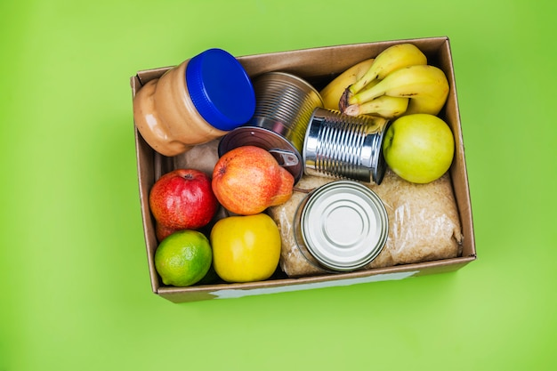 Lebensmittelspendenbox, verschiedene produkte