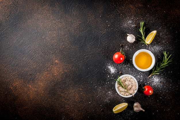 Lebensmittelzutat, olivenöl, kräuter und gewürze