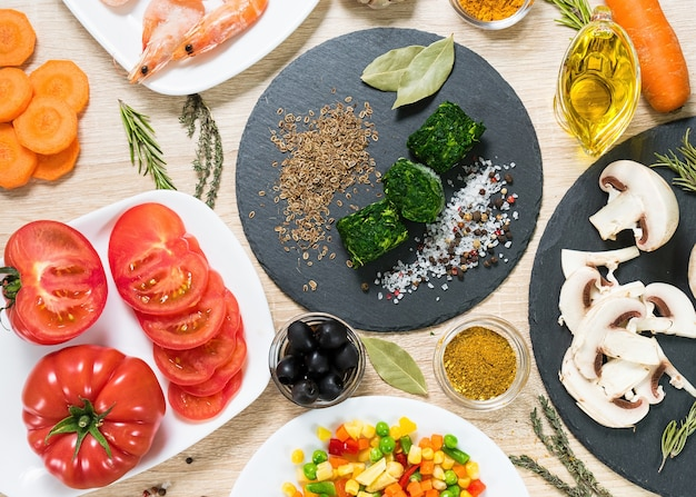Lebensmittelzutaten zum kochen kulinarischer gerichte