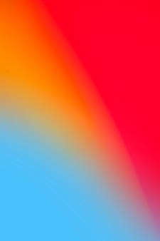Lebhafte regenbogenfarben in der steigung