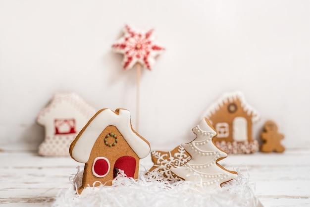 Lebkuchen eingestellt auf weißem hintergrund, weihnachtsgeschenk.