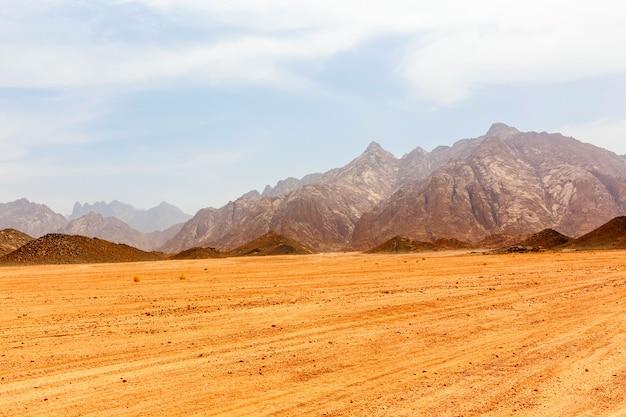 Leblos heiße wüste