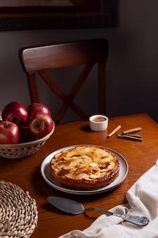 Leckere apfelkuchen-komposition