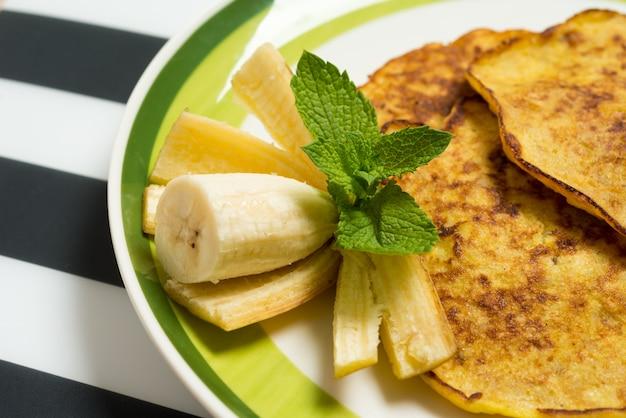 Leckere bananenpfannkuchen