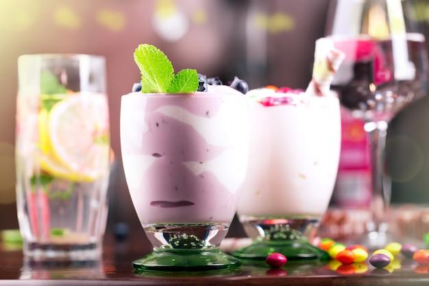 Leckere desserts und getränke