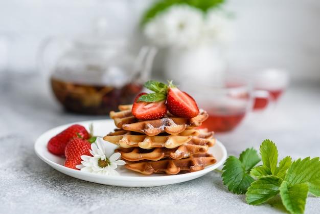 Leckere frisch gebackene waffeln