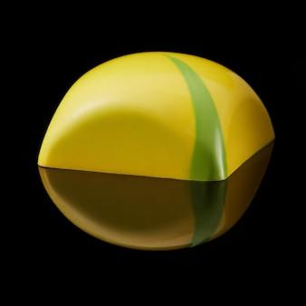 Leckere gelbe praline