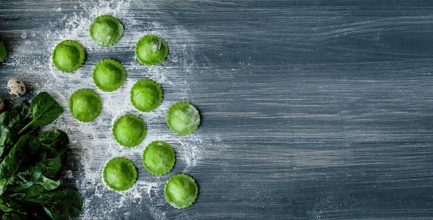 Leckere grüne ravioli