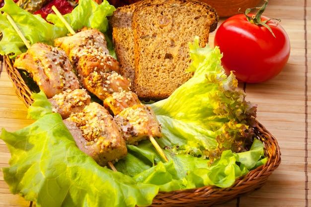 Leckere hähnchen-kebab