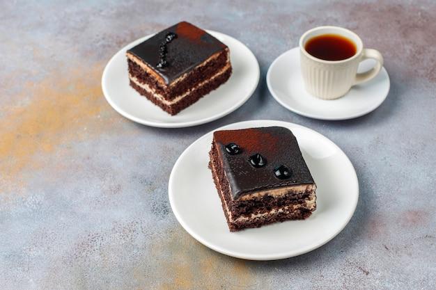 Leckere hausgemachte mini-schokoladenkuchen, draufsicht