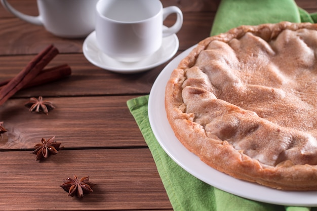Leckere hausgemachte, rustikale apfelkuchen