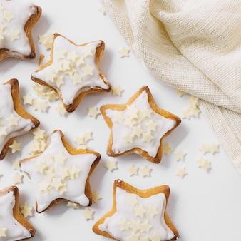 Leckere kekse mit zuckersternen